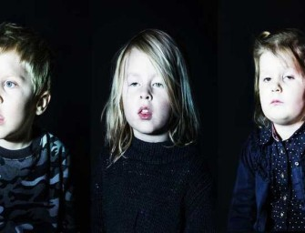 Photographer Captures Children Hypnotized By TV, Showing How Humans Are Visually Programmed